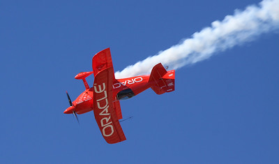 Sean Tucker in the Oracle Challenger III