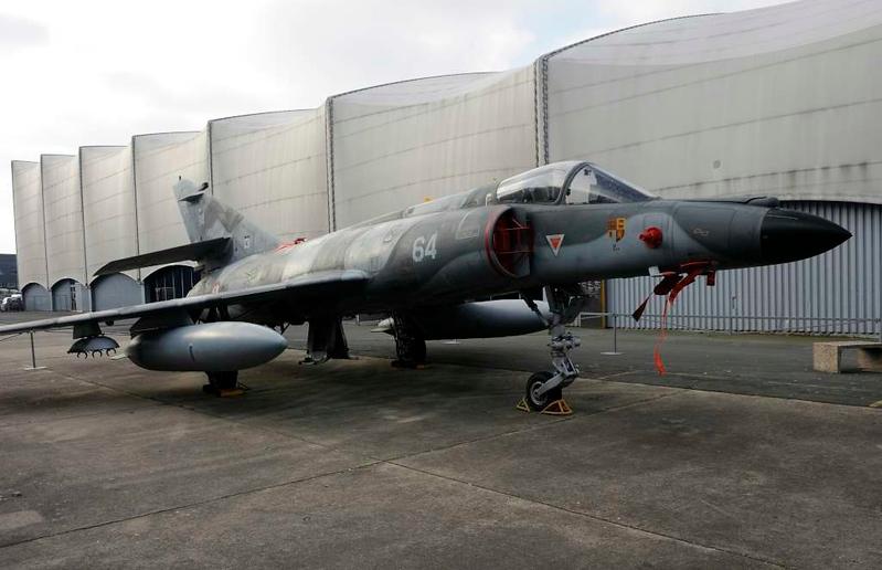Dassault Super Etendard Modernise 64, Musee de l'Air et de l'Espace, Le Bourget, Paris, 6 February 2015.