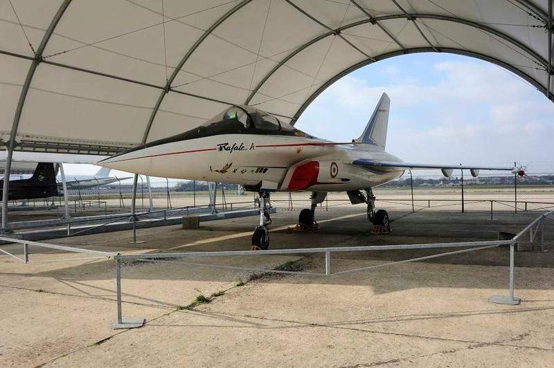Dassault Rafale A technology demonstrator F-ZWRE, Musee de l'Air et de l'Espace, Le Bourget, Paris, 6 February 2015
