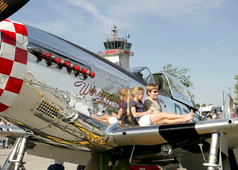""""""" Worry Bird """"    <br /> P-51 Mustang 44-73287 Type: P-51D-25NA<br /> Serial #: 44-73287<br /> Registry: N951M<br /> Owner: Michael George<br /> Base: Springfield IL<br /> Status: Flying"""