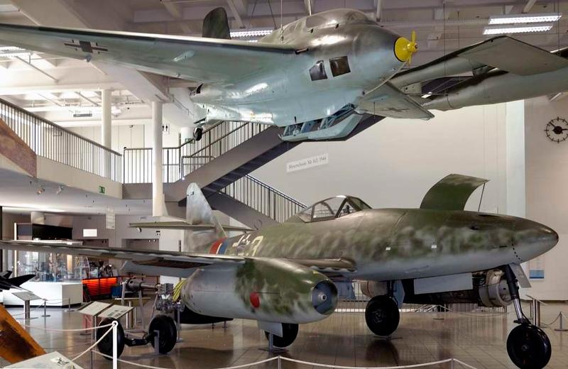 Messerschmitt Me 163B Komet & Me 262A-1B Schwalbe White 3, Deutsches Museum, Munich, 16 June 2006.