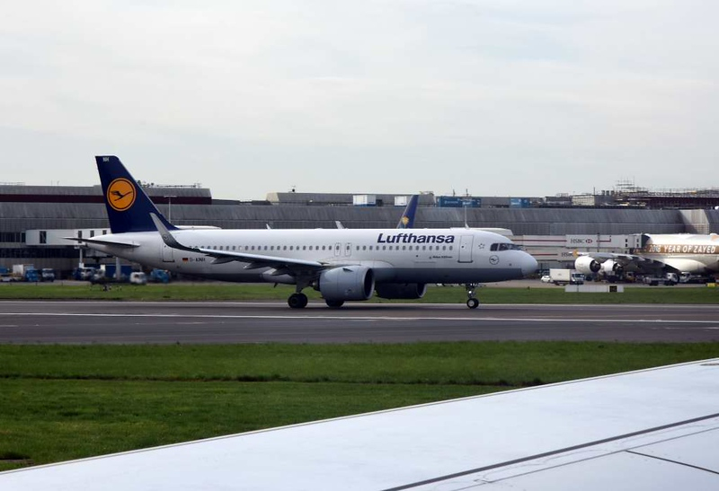 Lufthansa Airbus A320neo D-AINH, Heathrow airport, Thurs 3 May 2018 - 0955.