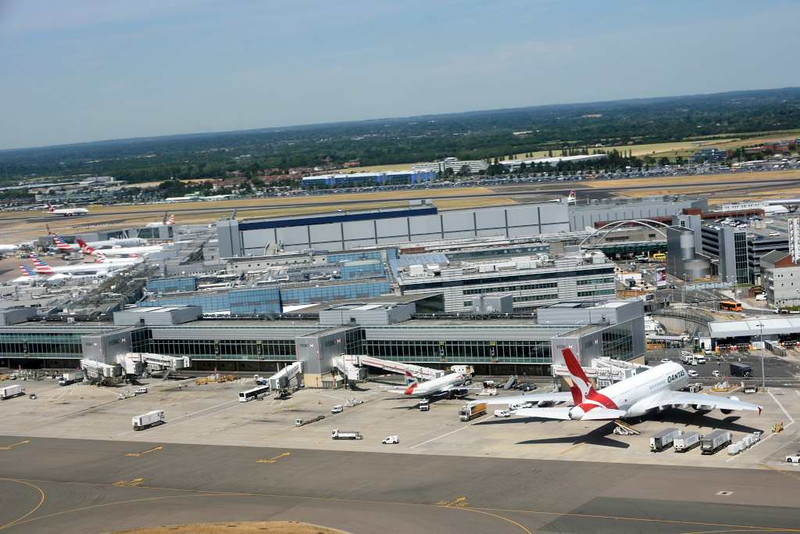 Terminal 3, Heathrow airport, Fri 3 July 2015 - 1420.  Looking north west.  Photographed from inside British Airways Airbus A320-200 G-EUUT.
