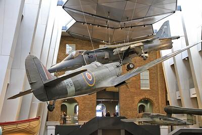Supermarine Spitfire Mk1a, R6915 & BAe Harrier GR.9A, ZD461 - 05/07/16.