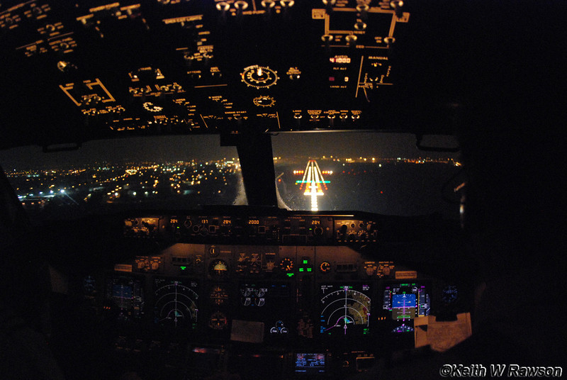 Flight deck, Boeing 737-800 coming in to land