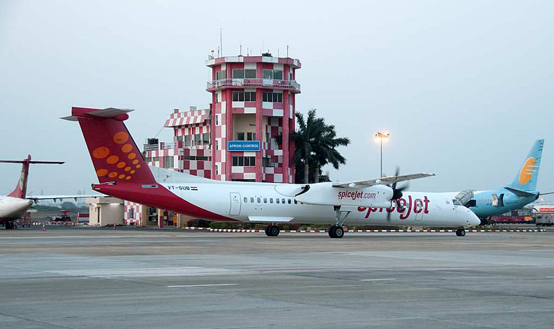 SpiceJet De Havilland Canada DHC-8-400 VT-SUB, Chennai international airport (MAA / VOMM), 22 March 2012 2