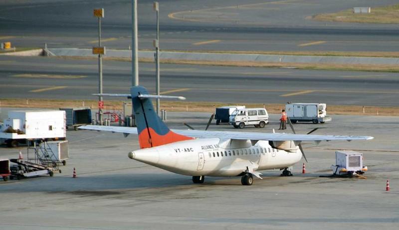 Alliance Air ATR 42 VT-ABC, Delhi Indira Gandhi international airport (DEL / VIDP), 31 March 2012