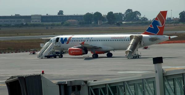 Wind Jet Airbus A320-200 EI-CUM, Catania Fontanarossa airport, 14 September 2007 - 1410