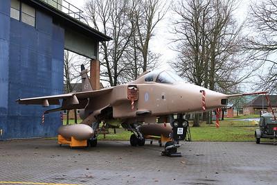 RAF SEPECAT Jaguar GR.3A, XX725 / T - 16/01/17.