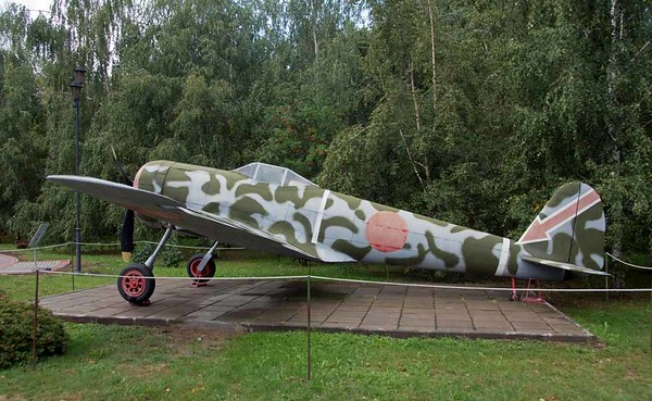 Nakajima Ki-43 Hayabusa (= Peregrine Falcon) fighter ('Oscar'), Great Patriotic War Museum, Moscow, 29 August 2015 1.    Entered service in 1941, 5919 built.  Japanese Army counterpart to the Navy's Mitsubishi Zero.  Very successful, shooting down more Allied aircraft than any other Japanese fighter.