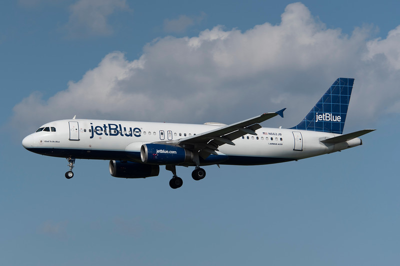 N662JB<br /> <br /> Glad To Be Blue<br /> <br /> 8/4/18 BWI