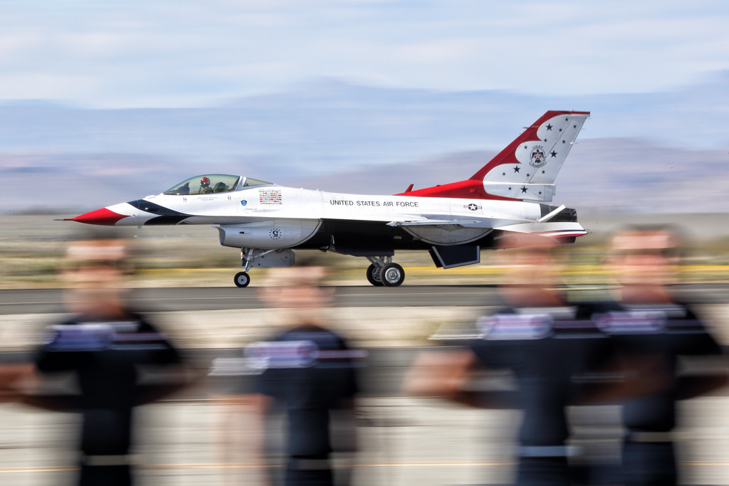 IMAGE: https://photos.smugmug.com/Aviation/LA-County-Air-Show/LA-County-Airshow-2017/i-HJDFcwZ/0/XL/U21A4414_mod-XL.jpg