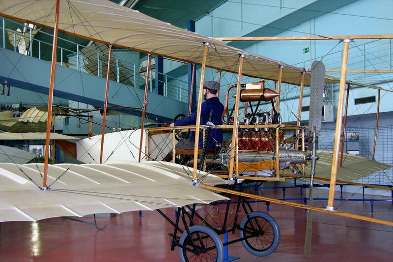 1907 - Voisin, Musee de l'Air et de l'Espace, Le Bourget, Paris, 10 May 2005 2