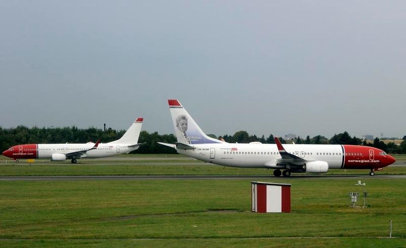 Norwegian Air Shuttle Boeing 737-800 LN-DYX (left) & LN-NGM, Copenhagen Airport, Fri 29 August 2014 - 1131.