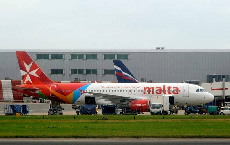 Air Malta Airbus A320-200 9H-AEK, Heathrow Airport, Fri 29 August 2014 - 0956.