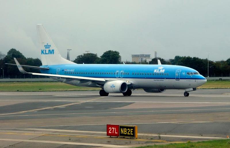 KLM Boeing 737-800 PH-BXZ, Heathrow Airport, Fri 29 August 2014 - 1002.