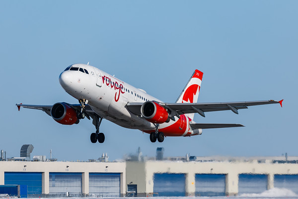 Air Canada Rouge A319-100 (C-FYIY)-3