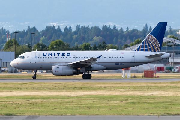 United Airlines A319-100 (N834UA)