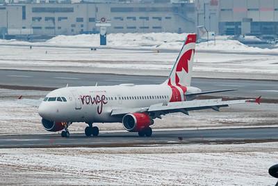 Air Canada Rouge A319-100 (C-FZUG)