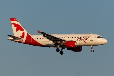 Air Canada Rouge A319-100 (C-GJVY)