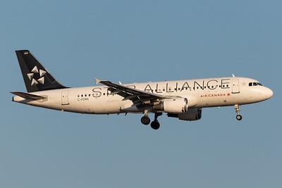 Air Canada A320-200 (C-FDRK)