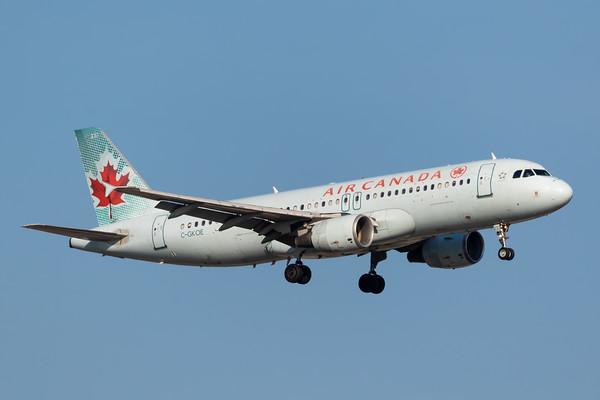 Air Canada A320-200 (C-GKOE)