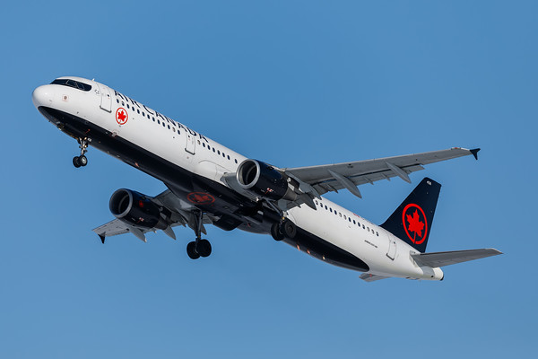 Air Canada A321-200 (C-GJWI)-2