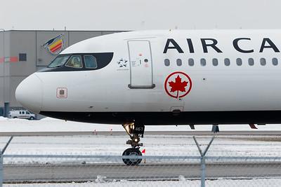 Air Canada A321-200 (C-FGKN)