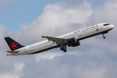 Air Canada A321-200 (C-FGKZ)