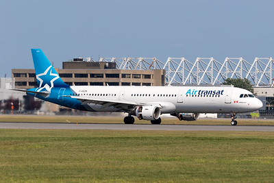 Air Transat A321-200 (C-GEZN)