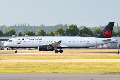 Air Canada A321-200 (C-GJWI)