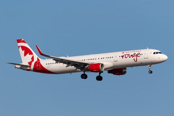 Air Canada Rouge A321-100 (C-GHQI)
