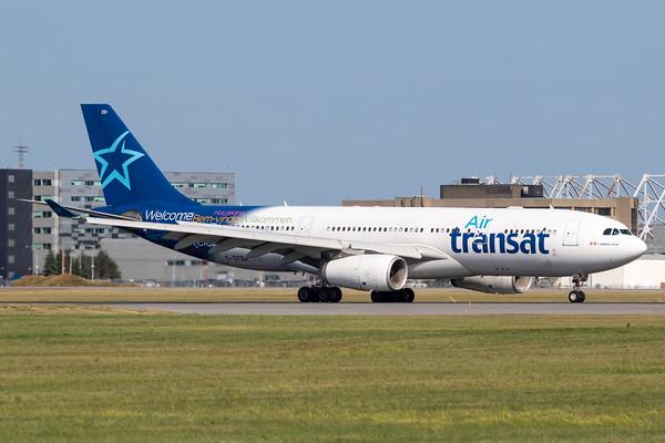 Air Transat A330-200 (C-GTSR)