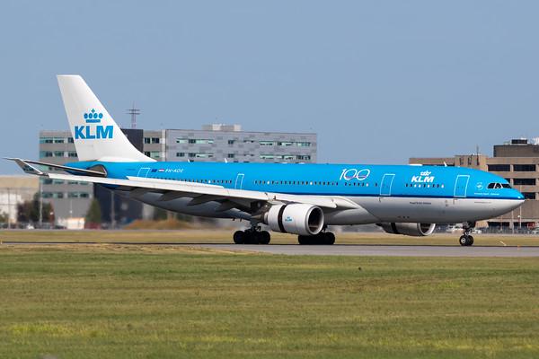 KLM A330-200 (PH-AOE)