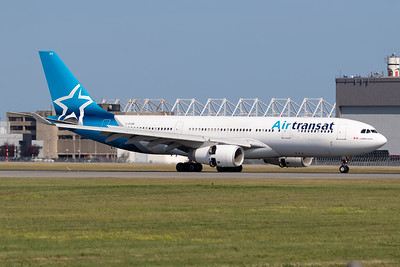 Air Transat A330-200 (C-GTSN)
