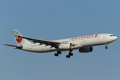 Air Canada A330-300 (C-GFAH)