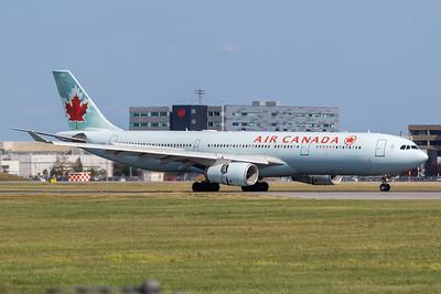Air Canada A330-300 (C-GFUR)