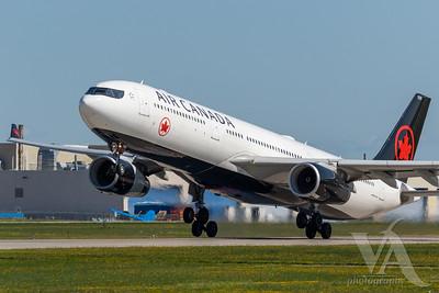 Air Canada A330-300 (C-GEFA)_A0087