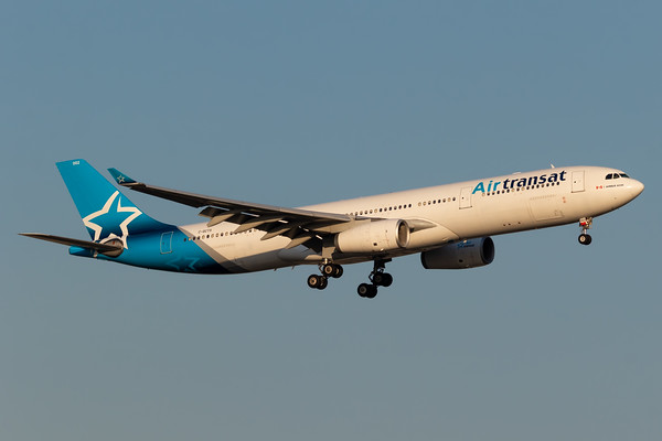 Air Transat A330-300 (C-GCTS)