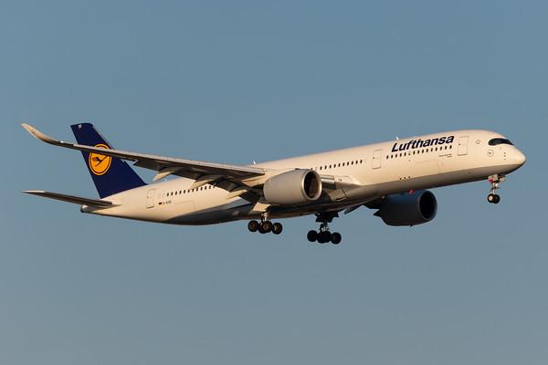 Lufthansa A350-900 (D-AIXE)
