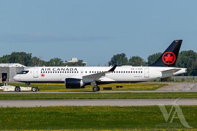 Air Canada A220-300 (C-GUAC)_A0087