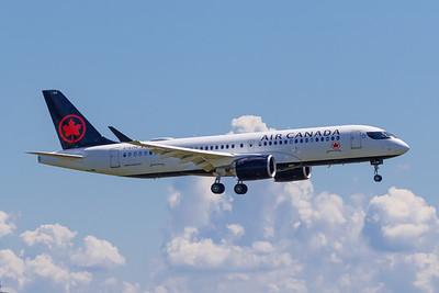 Air Canada A220-300 (C-GJYC)_Lufthansa A350-900 (D-AIXE)_A0085