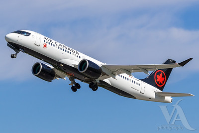 Air Canada A220-300 (C-GNAM)_A0087-2