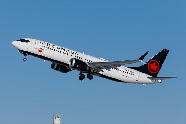 Air Canada B737 MAX8 (C-FSKZ)