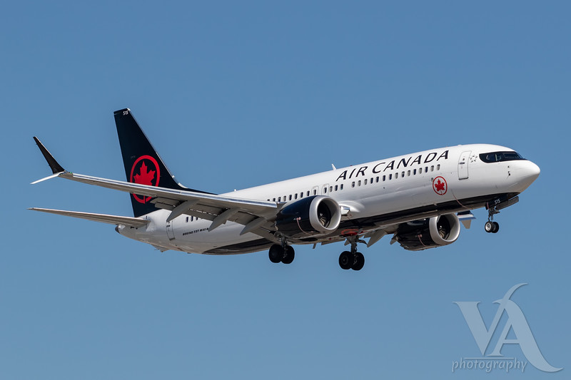 Air Canada B737 MAX8 (C-FSNQ)