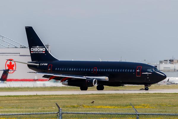 Chrono Aviation B737-200 (C-FYPN)_A0084