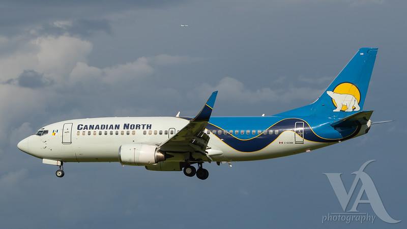 Canadian North B737-300 (C-GCNW)