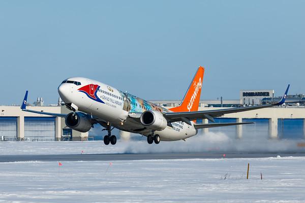 Sunwing Airlines B737-800 (C-FEVD)-1