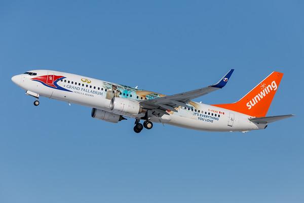 Sunwing Airlines B737-800 (C-FEVD)-3