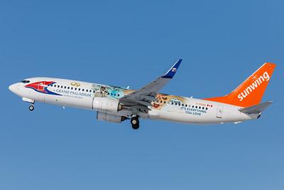 Sunwing Airlines B737-800 (C-FEVD)-4